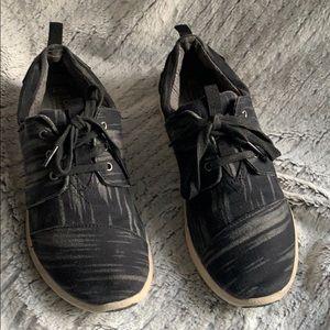 TOMS multi black canvas sneaker